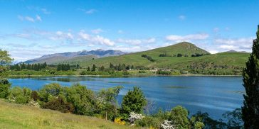 Wandering the Lake Hayes Walkway Scenic Trail: Spectacular Walks Near Queenstown, NZ