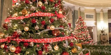 Decorated Christmas Mansions in Dutchess County New York